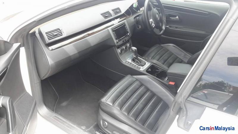 Volkswagen Passat Automatic - image 6