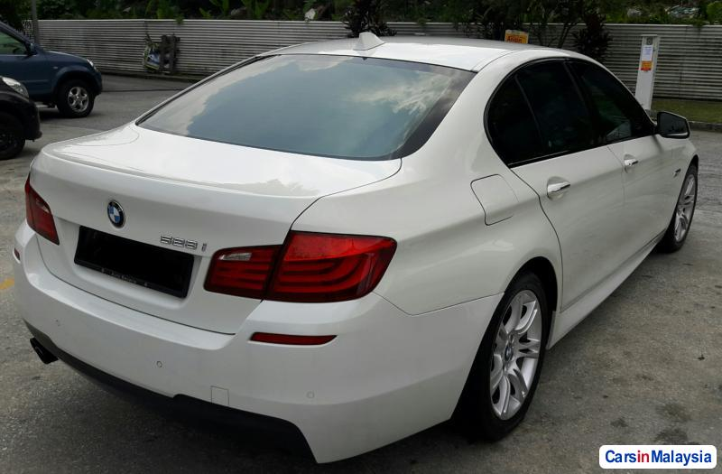 Picture of BMW 5 Series Automatic 2011