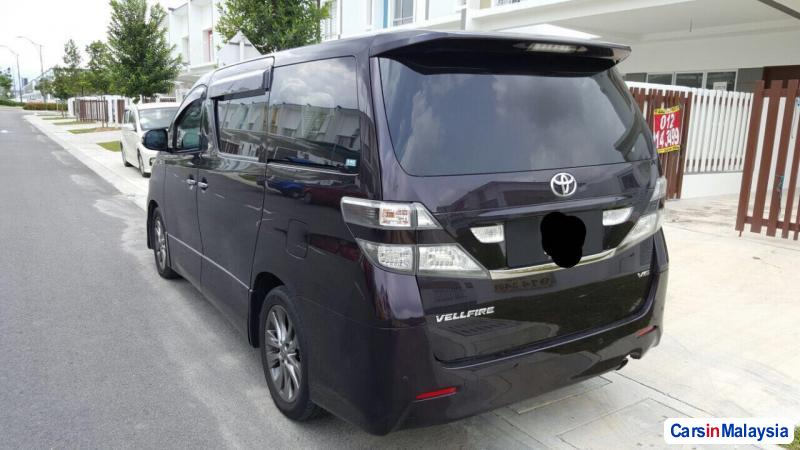 Toyota Vellfire Automatic 2012 in Selangor