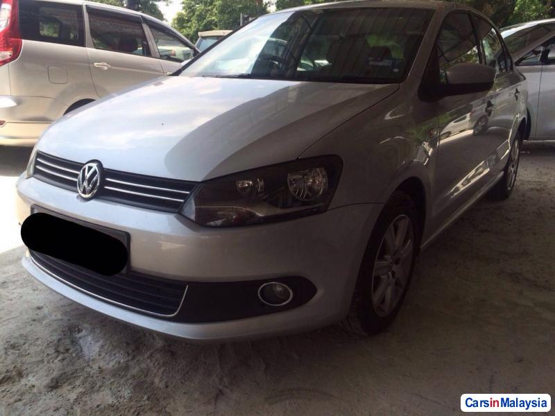 Picture of Volkswagen Polo Automatic 2011