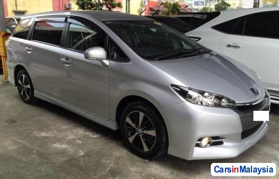 Picture of Toyota Wish Automatic 2010