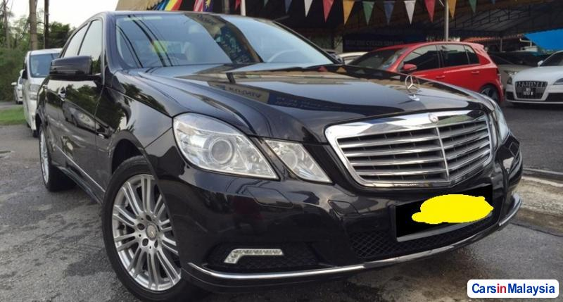 Pictures of Mercedes Benz E200 Automatic 2010