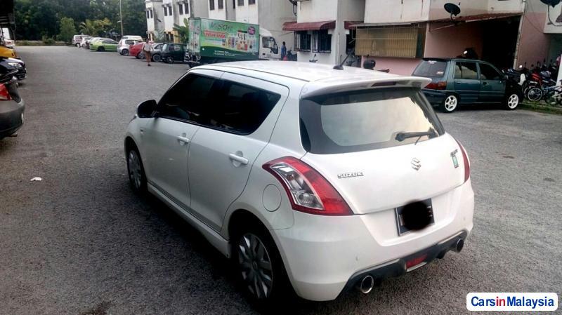 Picture of Suzuki Swift