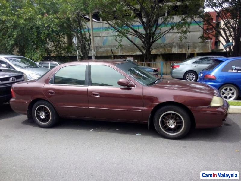 Pictures of Kia Clarus Automatic 1999