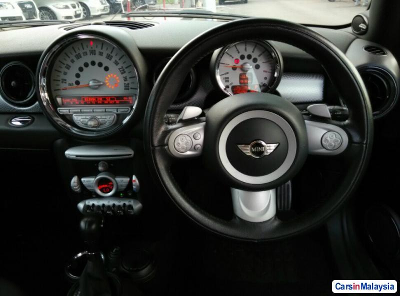 MINI Cooper S Automatic 2010 - image 10