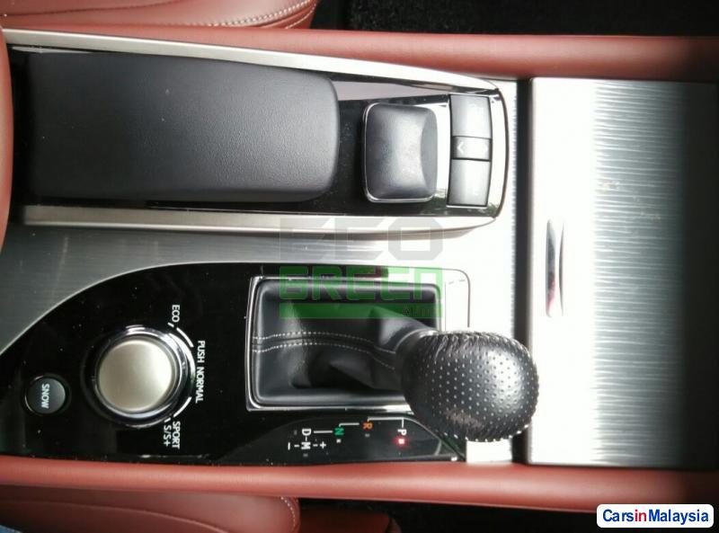 Lexus GS Automatic 2012 - image 10