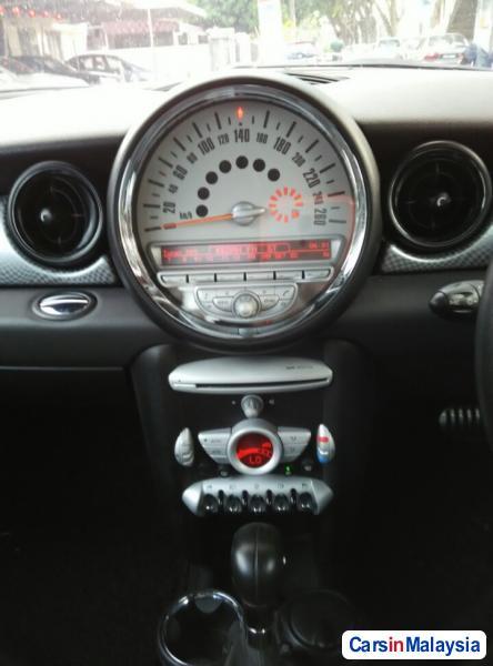 MINI Cooper S Automatic 2010 - image 11