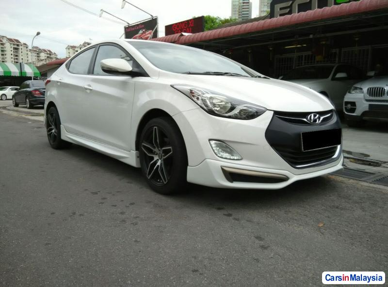 Picture of Hyundai Elantra Automatic 2012