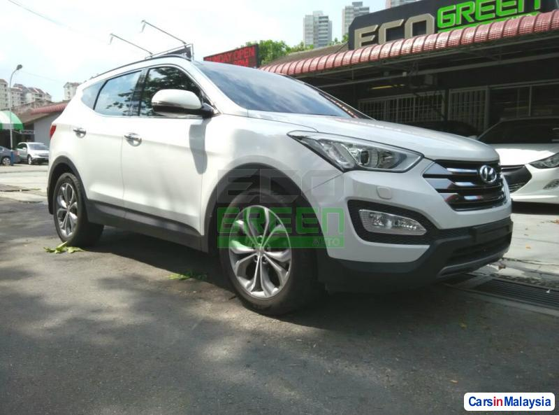 Picture of Hyundai Santa Fe Automatic 2014