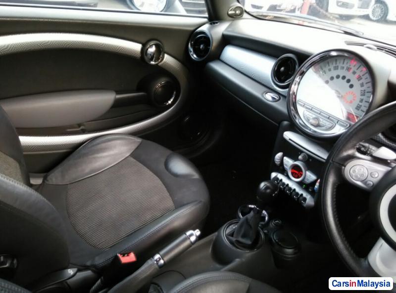 MINI Cooper S Automatic 2010 - image 9