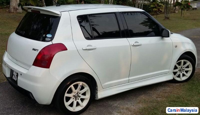 Picture of Suzuki Swift 1.5-LITER ECONOMY HATCHBACK Automatic 2011