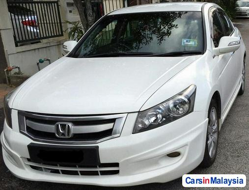 Picture of Honda Accord 2.4-LITER LUXURY SEDAN Automatic 2010