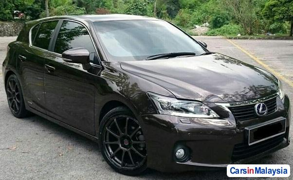 Picture of Lexus CT Automatic 2013