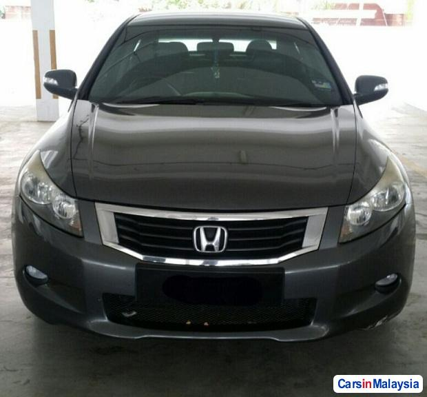 Picture of Honda Accord 2.0-LITER LUXURY SEDAN Automatic 2010
