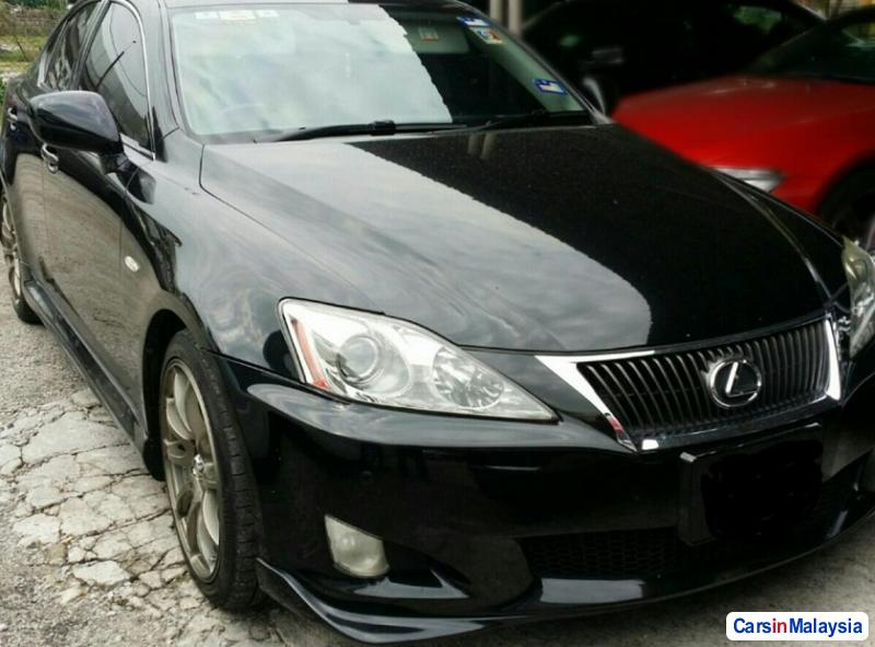 Pictures of Lexus IS Automatic 2011