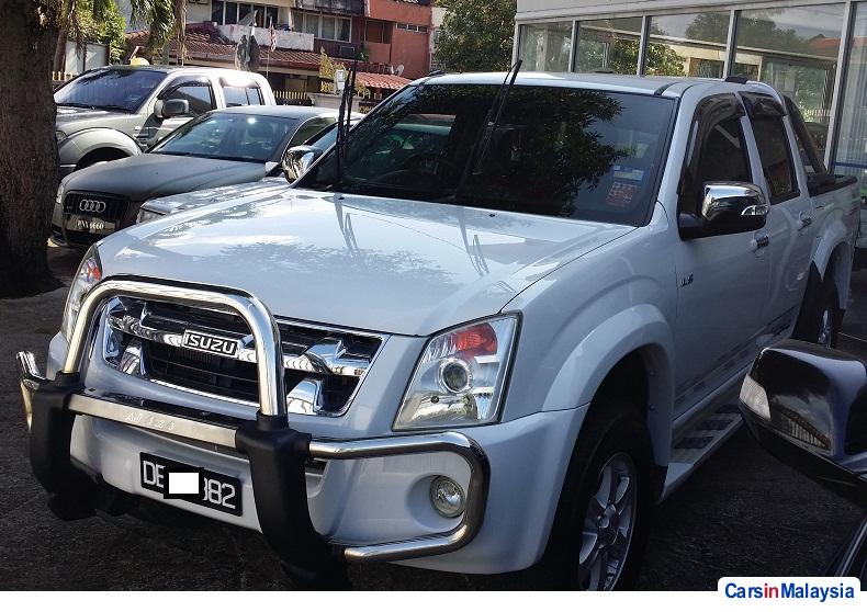 Pictures of Isuzu D-Max Manual 2012