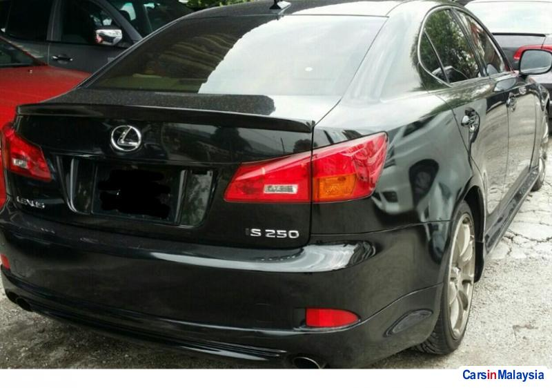Lexus IS Automatic 2011