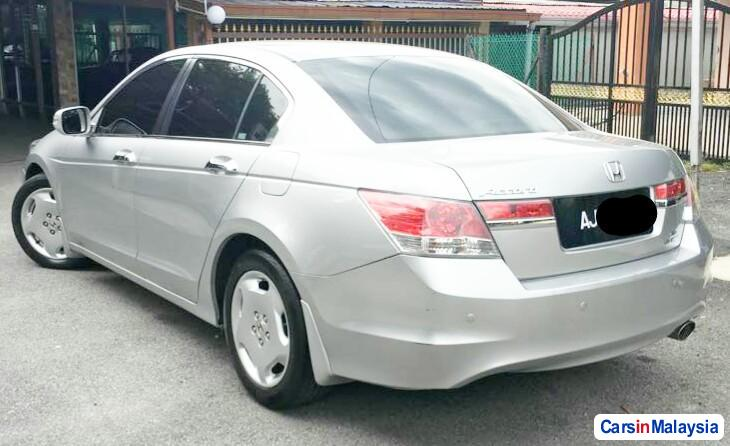 Honda Accord 2.0-LITER LUXURY SEDAN Automatic 2010