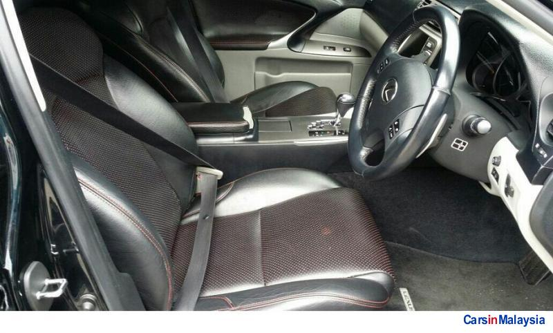Lexus IS Automatic 2011 in Selangor