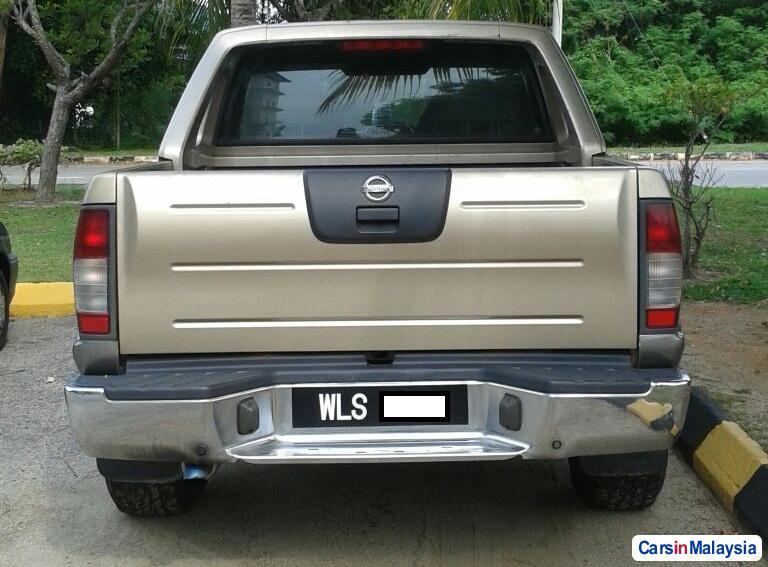 Nissan Frontier Manual 2010 - image 3