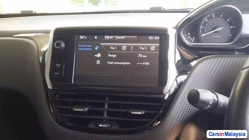 Peugeot 2008 1.6-LITER ECONOMY FAMILY SUV Automatic 2014 in Malaysia