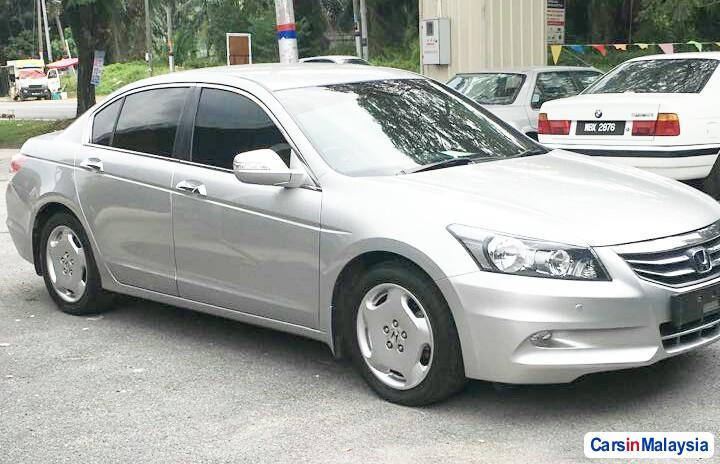 Honda Accord 2.0-LITER LUXURY SEDAN Automatic 2010 in Malaysia