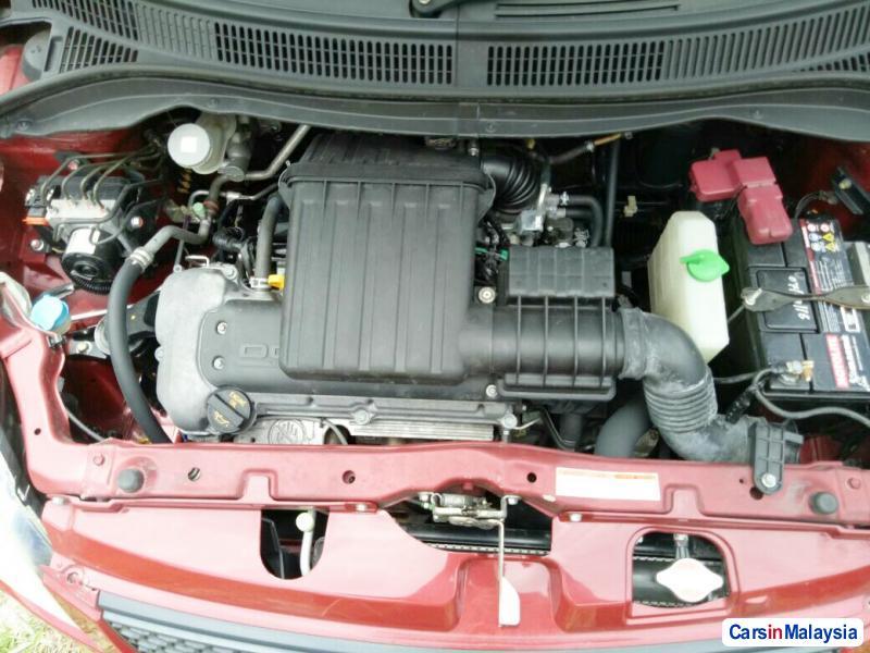 Suzuki Swift Automatic 2009 - image 4