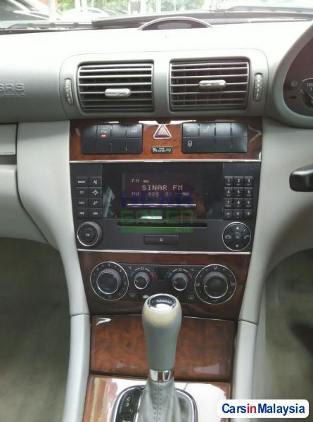 Mercedes Benz 200 Automatic 2006 - image 10