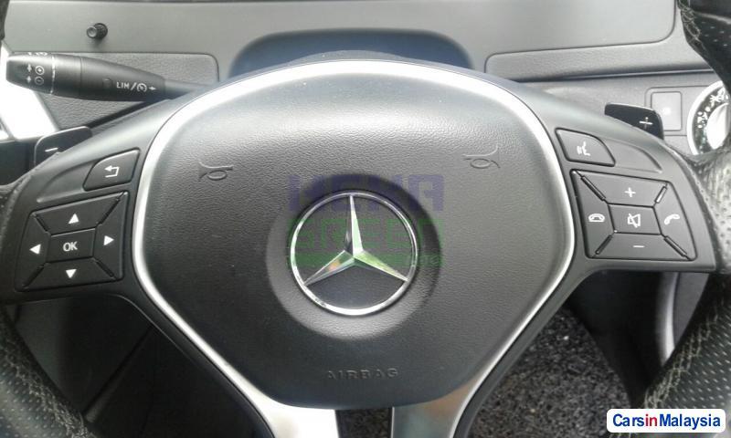 Mercedes Benz C-Class Automatic 2012 - image 10