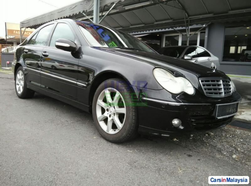 Pictures of Mercedes Benz 200 Automatic 2006