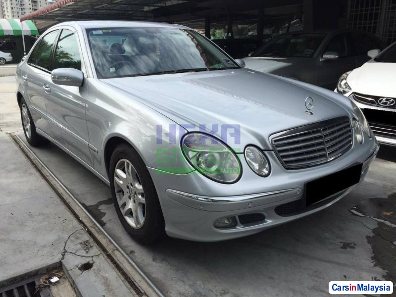 Pictures of Mercedes Benz E200K Automatic 2006