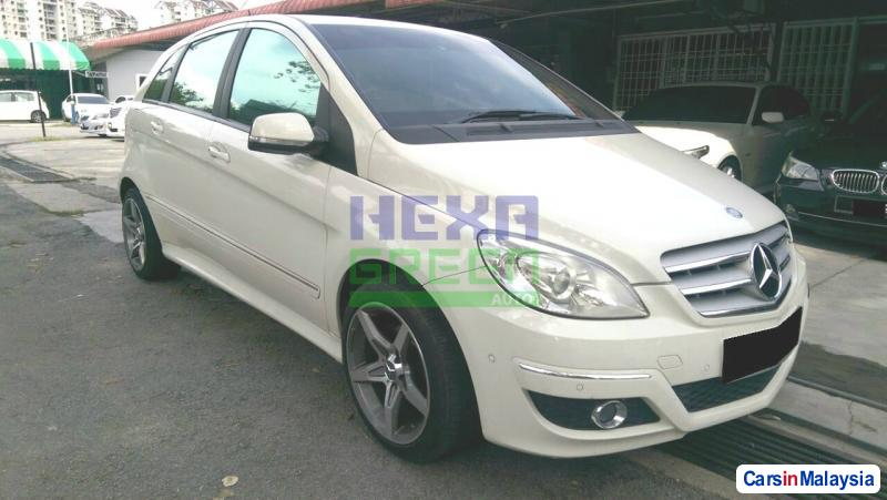 Picture of Mercedes Benz B180 Automatic 2010