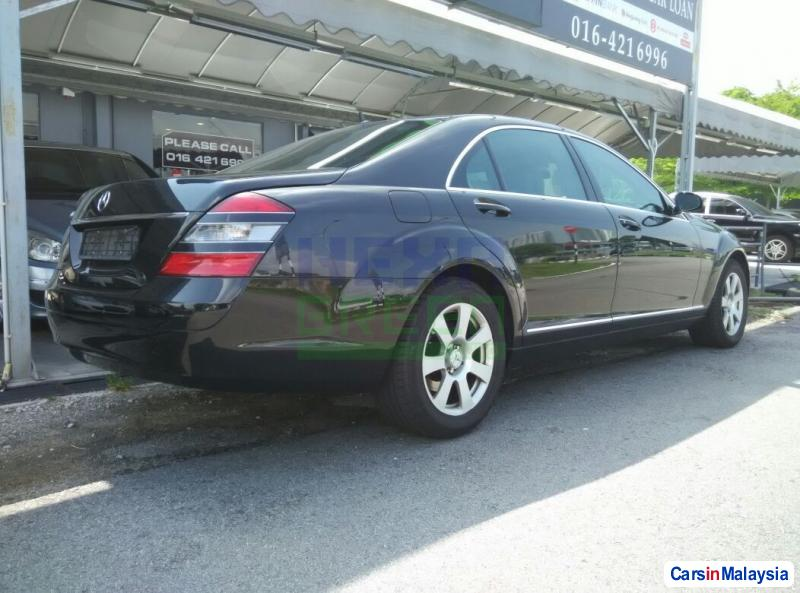 Mercedes Benz S300 Automatic 2007 in Malaysia