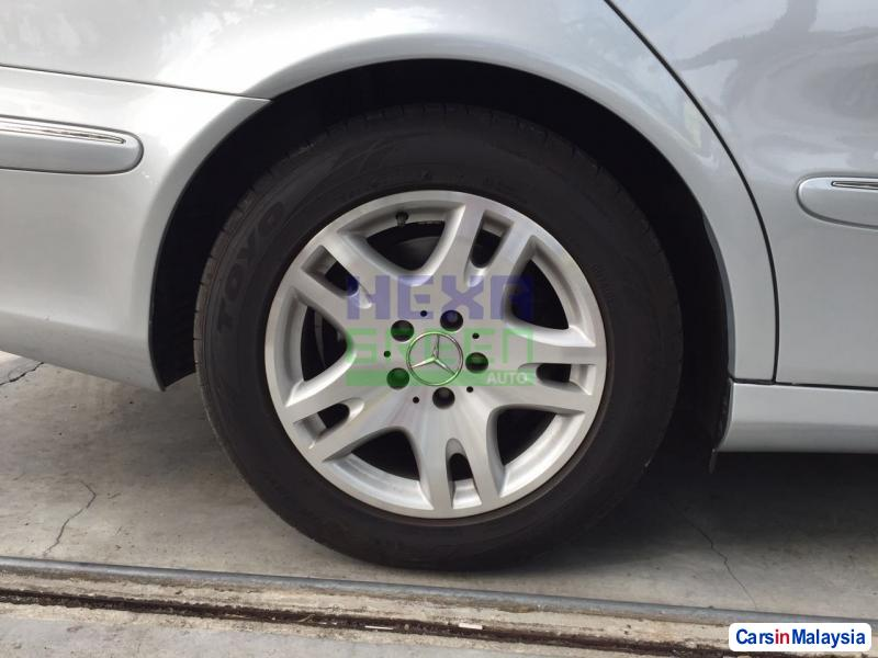 Mercedes Benz E200K Automatic 2006 in Penang - image