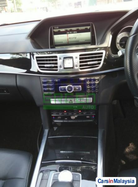 Mercedes Benz E200 CGI Automatic 2014 - image 8