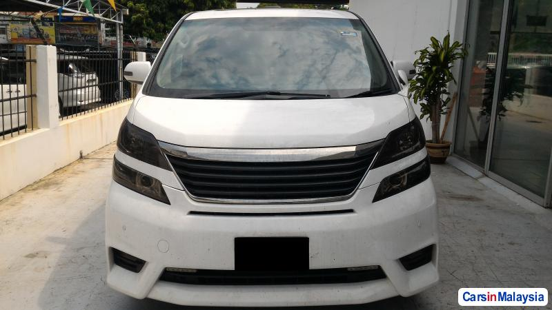 Picture of Toyota Vellfire Automatic 2008