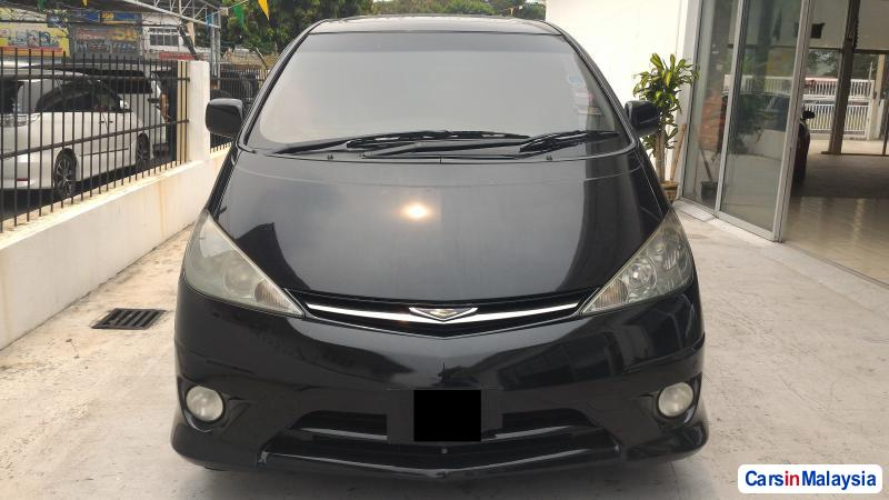 Picture of Toyota Estima Automatic 2004