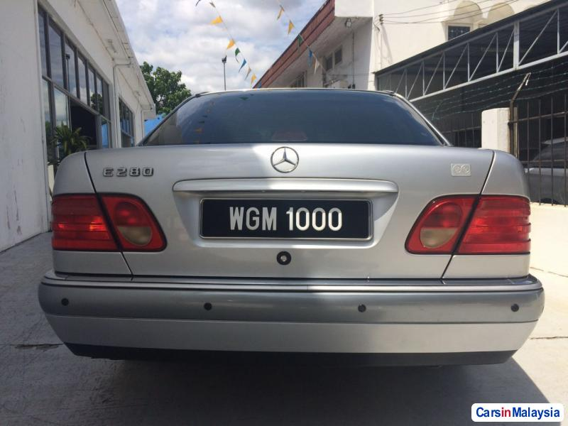Mercedes Benz E280 Automatic 1998