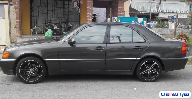 Mercedes Benz C-Class Automatic 1995 in Penang
