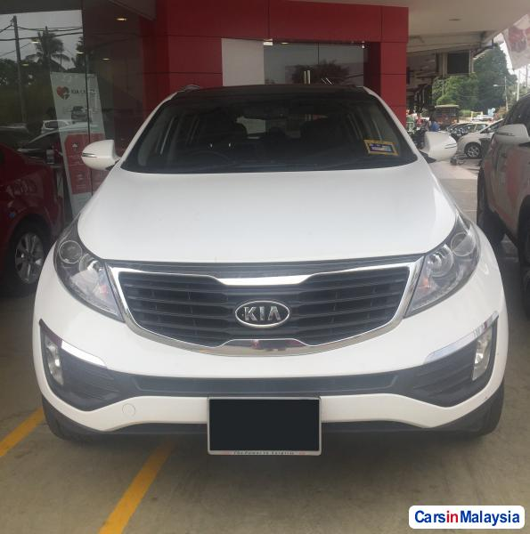 Pictures of Kia Sportage Automatic 2011