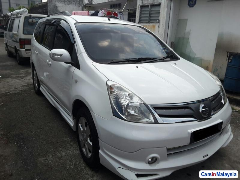 Pictures of Nissan Grand Livina Automatic 2012