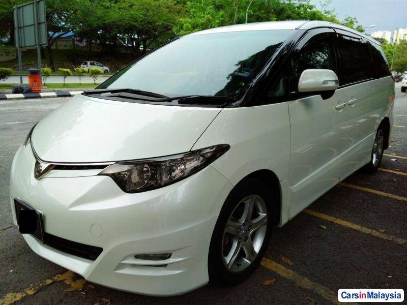 Pictures of Toyota Estima Automatic 2012