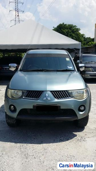 Picture of Mitsubishi Triton Automatic 2009