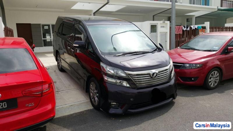 Picture of Toyota Vellfire Automatic 2013