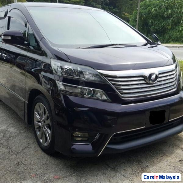 Picture of Toyota Vellfire Automatic