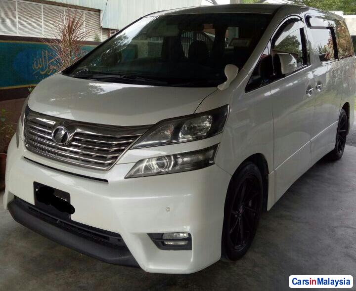 Pictures of Toyota Vellfire 2011