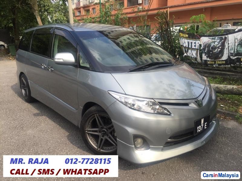 Picture of Toyota Estima Automatic 2013