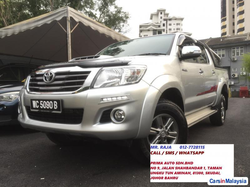 Picture of Toyota Hilux Semi-Automatic 2015