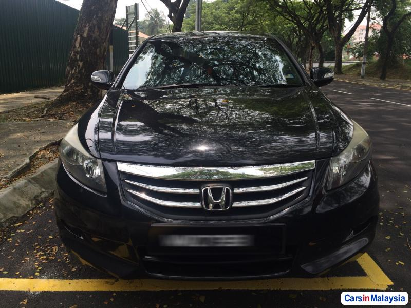 Pictures of Honda Accord Automatic 2011