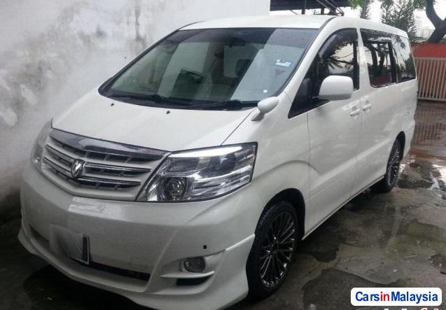 Picture of Toyota Alphard Automatic 2004